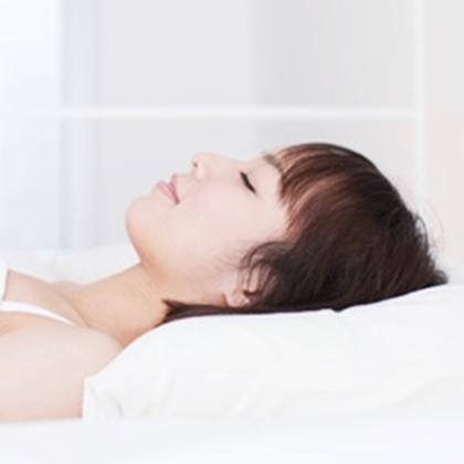 วิธีทาครีมบำรุงผิวหน้าก่อนนอน